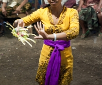 Marrianne, dancing the Dewa Ayu ('Kriss') trance spirit possession ritual