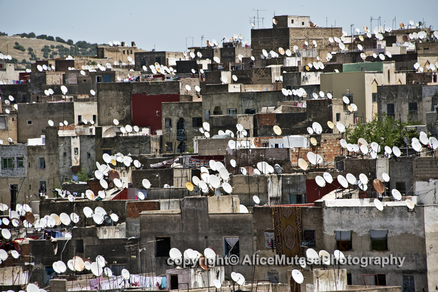 Fès - the town of mosques and satellite dishes!