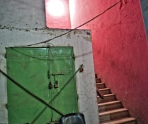 Green & red doorway, Port Sudan