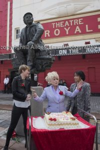 joan-statue-unveiling_114