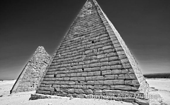 NEW PHOTOS FROM  SUDAN – PEOPLE, PLACES, PYRAMIDS…..