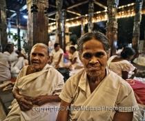Bisomenike & Nyanawati; Temple of the Tooth, Kandy