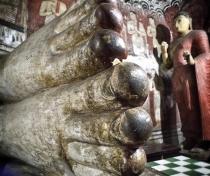 Dambulla cave temples - Big Buddha feet..