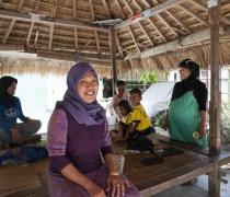 Muslahan - tailor; Sandik village, Lombok