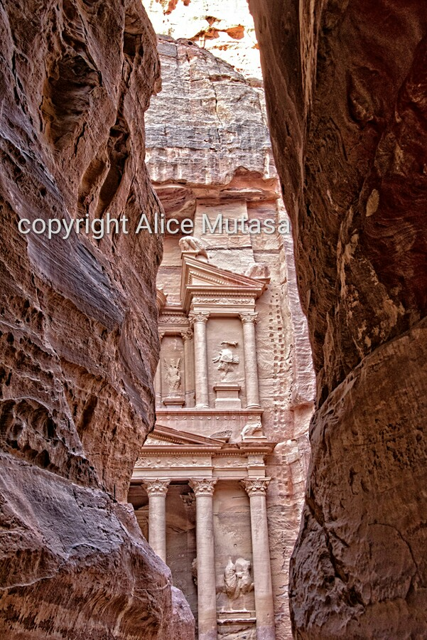 That Classic View that everyone takes in Petra!