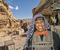 Mariam - lovely bedouin woman selling souvenirs