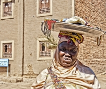 Fanta - jewellery maker & seller, Djenné