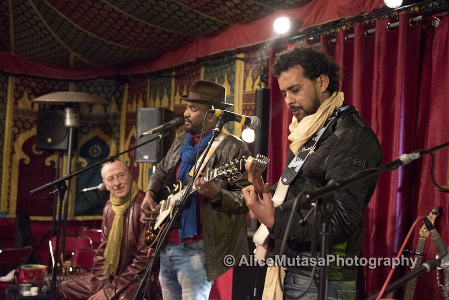 Touareg & French musicians at 'Khaymatna' Paris