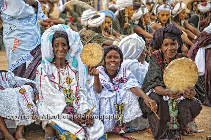 Touareg women musicians