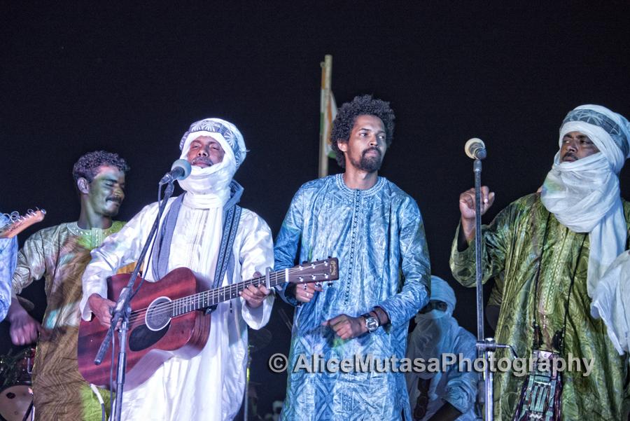 Abdallah Ag Alhousseyni from Tinariwen, with Sadam & Hicham from Imarhan