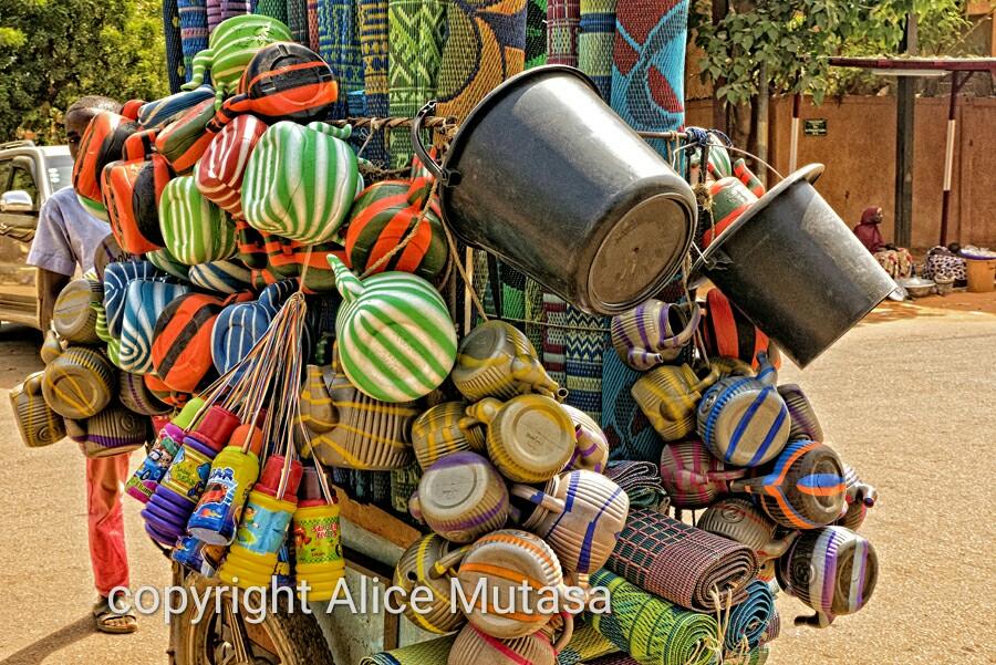 African essentials! Essentielles Africaines - bouilloires & nattes!