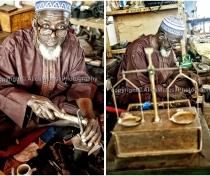 Bijoutier au musée National / silversmith at the museum, Niamey