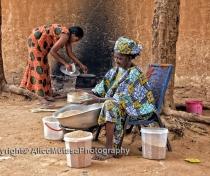 Mama & Fati prepare dinner