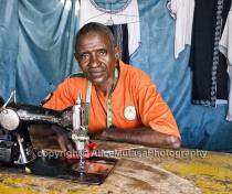 Aghali - Koudede's tailor / la tailleur de Koudede