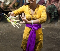 Marianne: traditional dance at family shrine ceremony