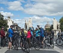 Cyclists at Piazza Venezia