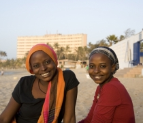 Hassanatou & Housseynatou; Plage N'Gor, Dakar