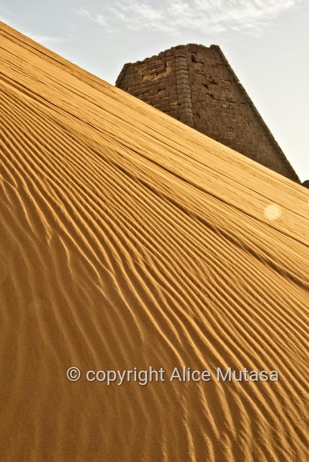 Sand dunes & pyramids at Meroë