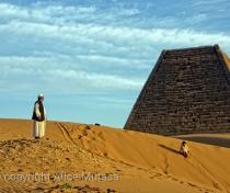 Abdulrahman & Nina at Meroë pyramids