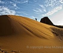 Sand dunes & pyramid - Meroë