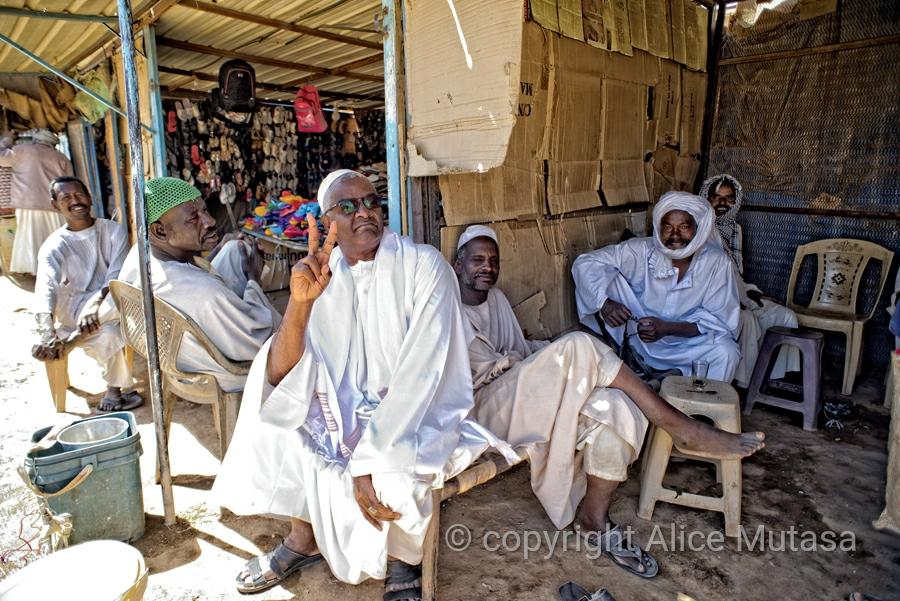 Mohamed & friends, Karima market