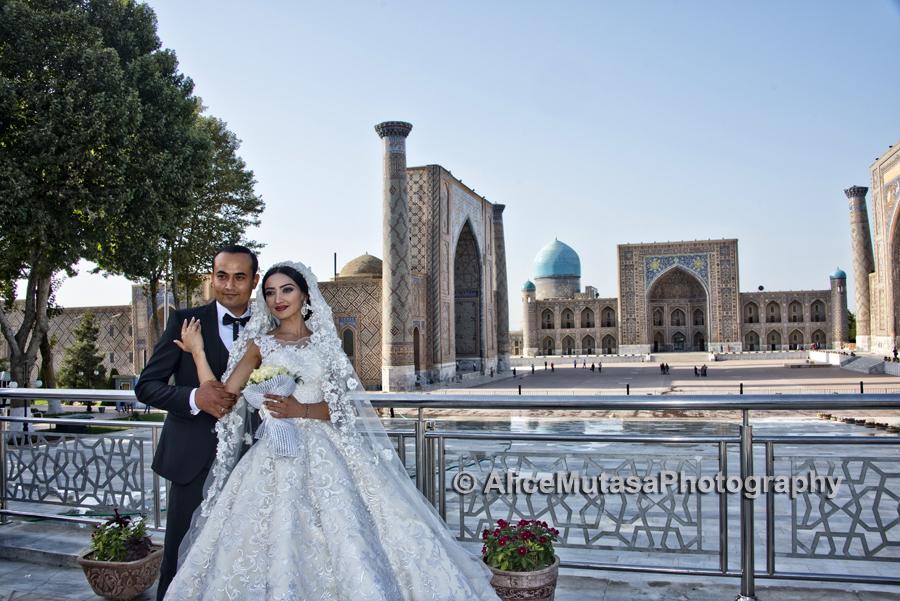Wedding photos at the Registan