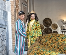 Couple photo shoot in the Registan, Samarqand