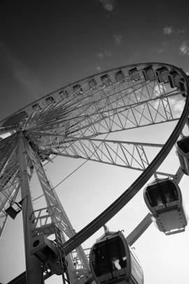 'Brighton wheel' on Brighton seafront - by Alice Mutasa